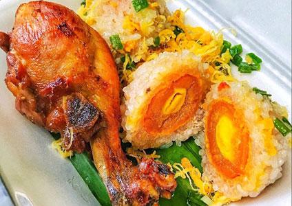 Xôi gà chiên trứng muối thơm ngon